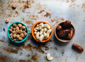 frutos secos en cuencos
