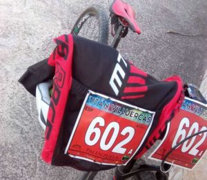 dorsal de prueba deportiva de bicicleta