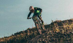 Descenso en bicicleta de montana