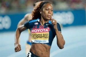 velocista femenina estadounidense respirando por la nariz